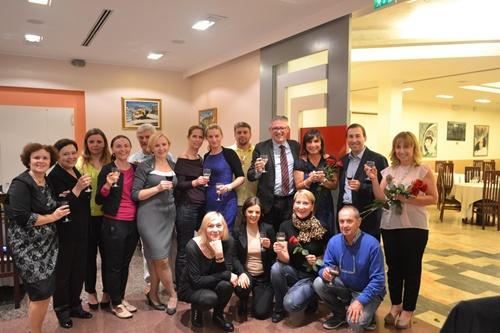 Foto di gruppo al termine della cena all'Hotel Boemia