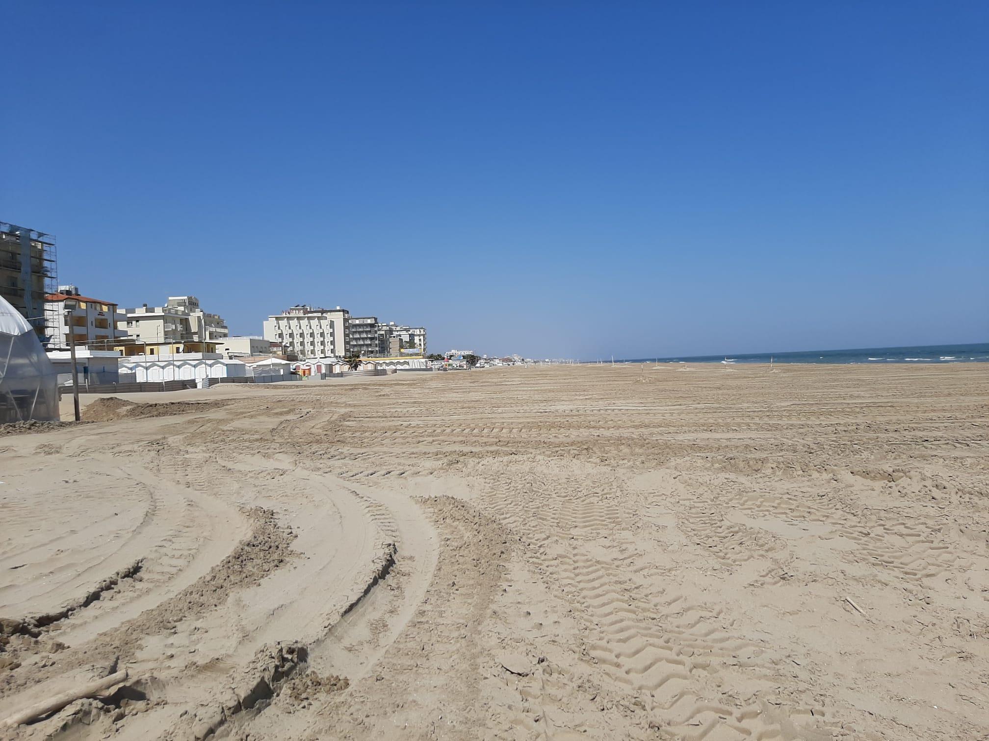 Lavori per la duna in spiaggia