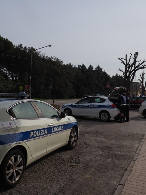 Controlli in strada della polizia locale di Riccione