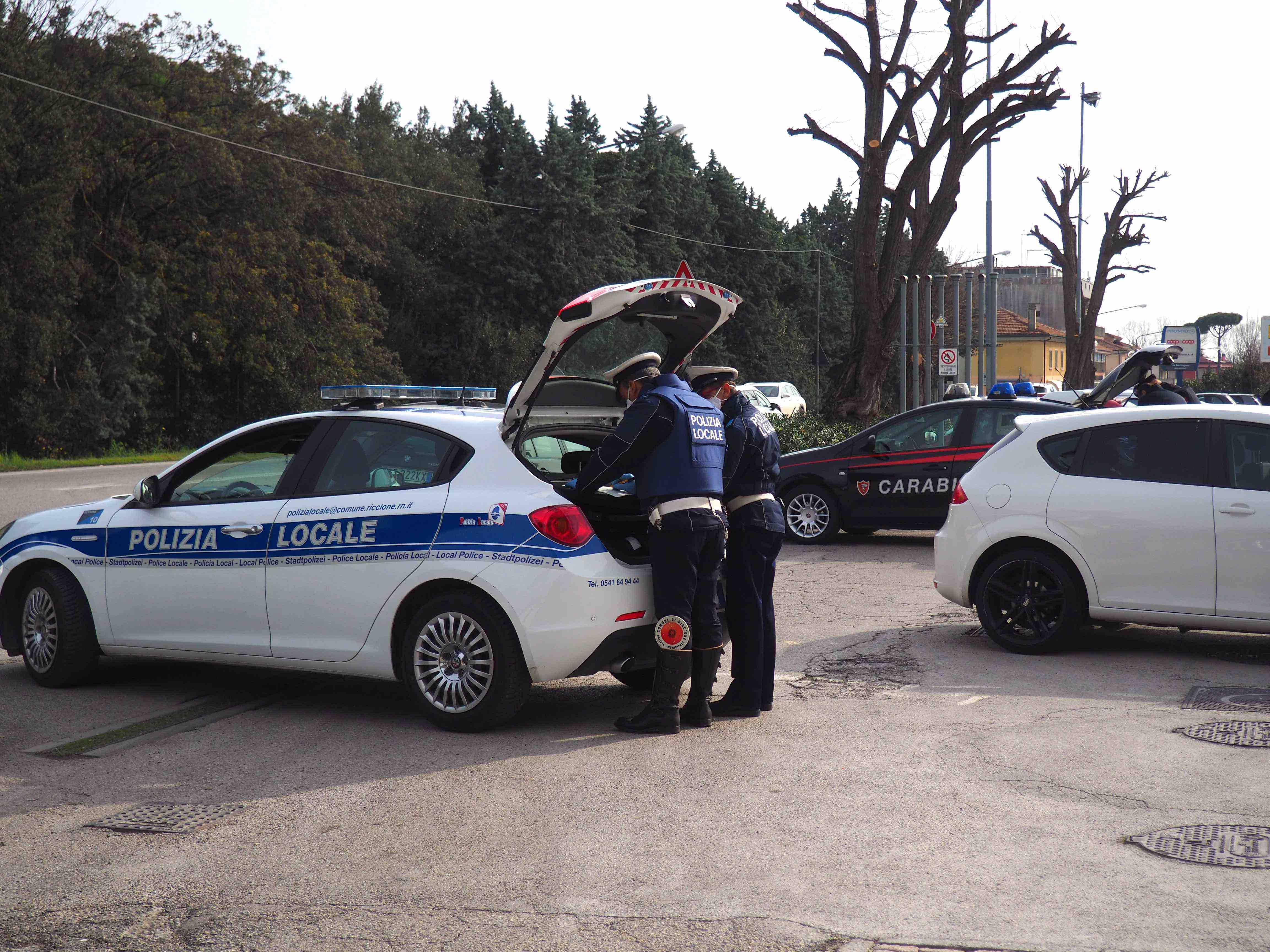 Controlli della polizia locale di Riccione