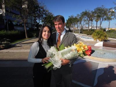 il saluto e l'omaggio floreale dell'Assessore al turismo Claudio Montanari