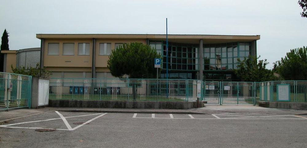 Descrizione immagine :scuola via capri